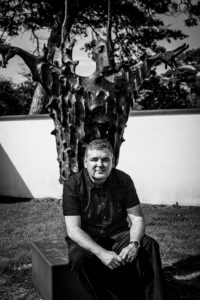 Black and white photo of Darren Shan